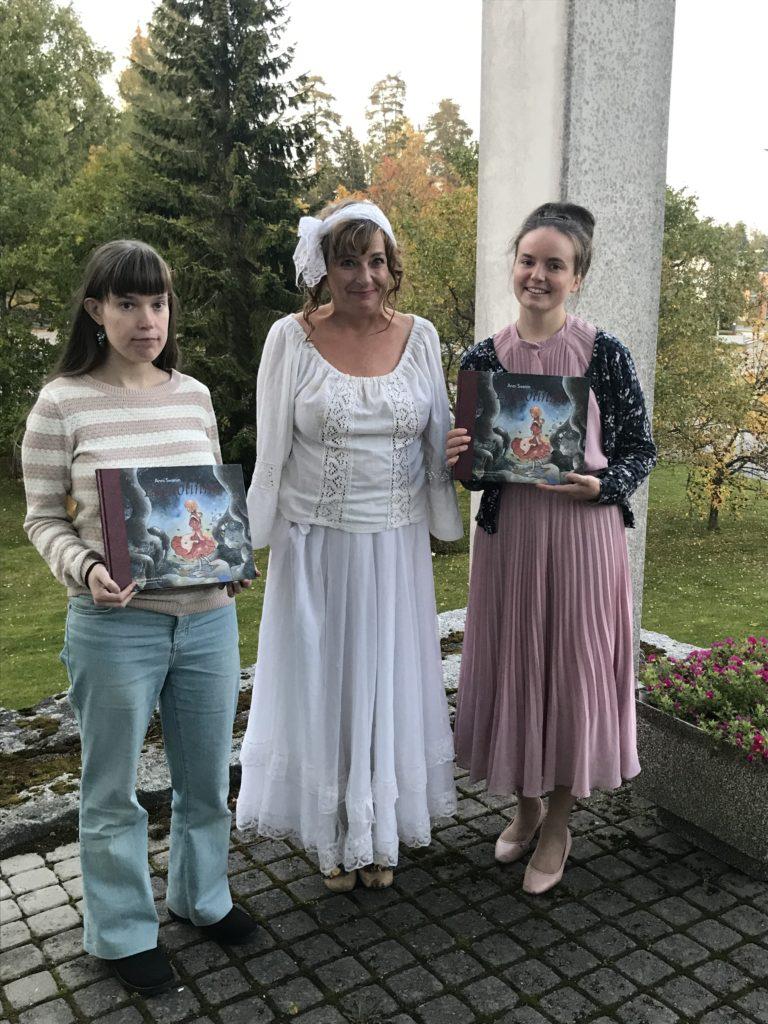 Mari Serdijn, Marika Sampio-Utriainen ja Anna Pölkki